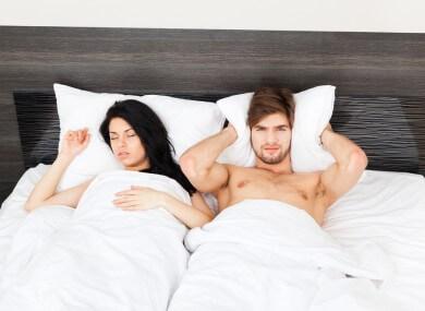 Snurkende vrouw - waarom snurken vrouwen?