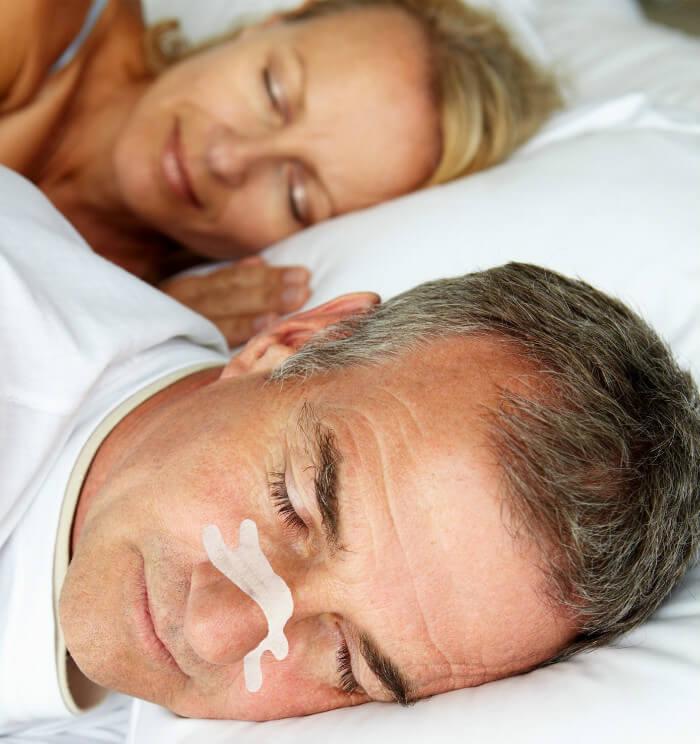 Neuspleisters tegen snurken