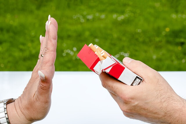 Stoppen met roken tegen snurken