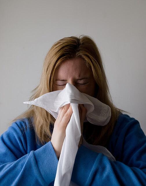 Snurken door een verstopte neus bij verkoudheid