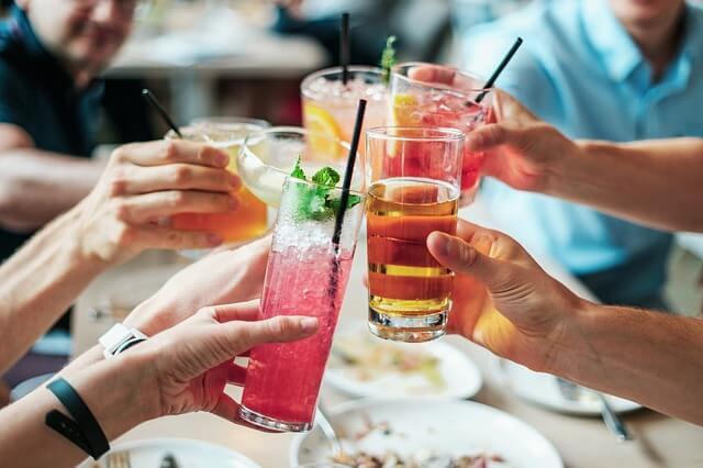 Snurkprobleem oplossen door te matigen met alcohol
